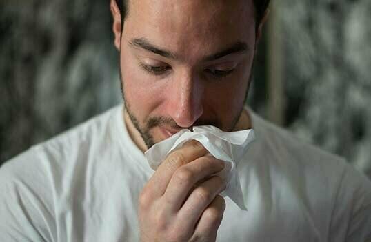 Sömnbrist ökar risken att drabbas av förkylning